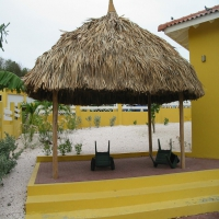 Palapa with red paving stones at VIllapark fontein